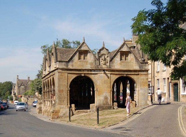 Chipping Camden Market Hall Start of the Cotswold Way