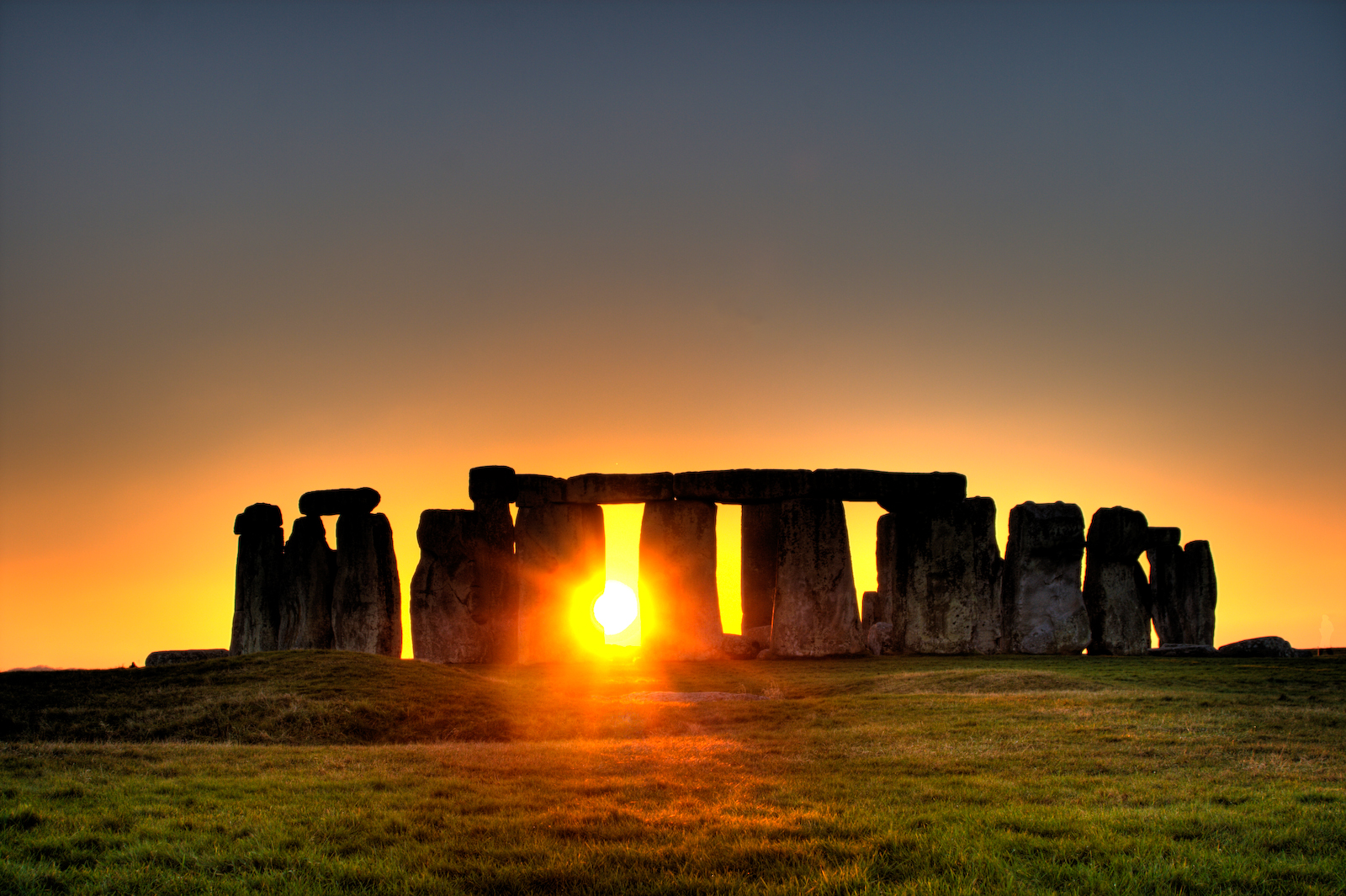 Sunrise at Stonehenge (which is similar to what you'll see on this walk...