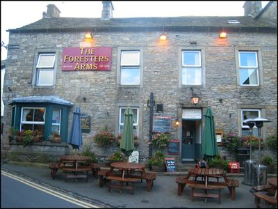 10. DAY 1. A NIGHT IN GRASSINGTON