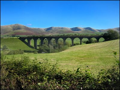 32. DAY 4. LOWGILL VIADUCT AND THE HOWGILLS