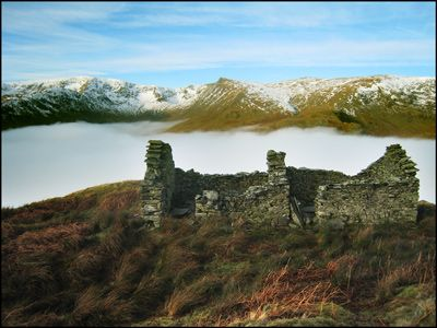 10. HIGH STREET AND KIDSTY PIKE ACROSS A MIST-FILLED HAWESWATER